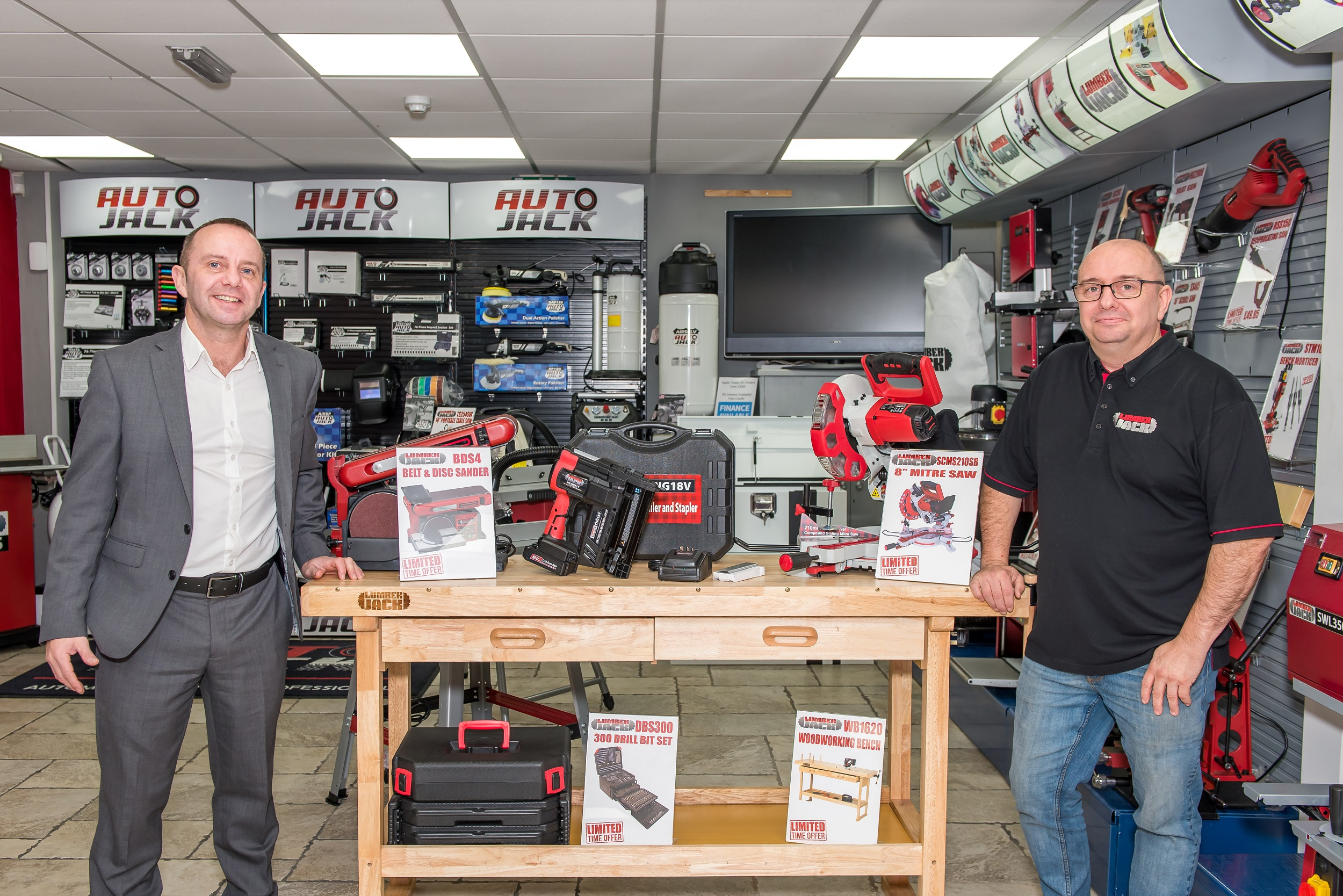 2019-01/1546939450_dave-and-fred-evans-toolsave-co-founders-2-