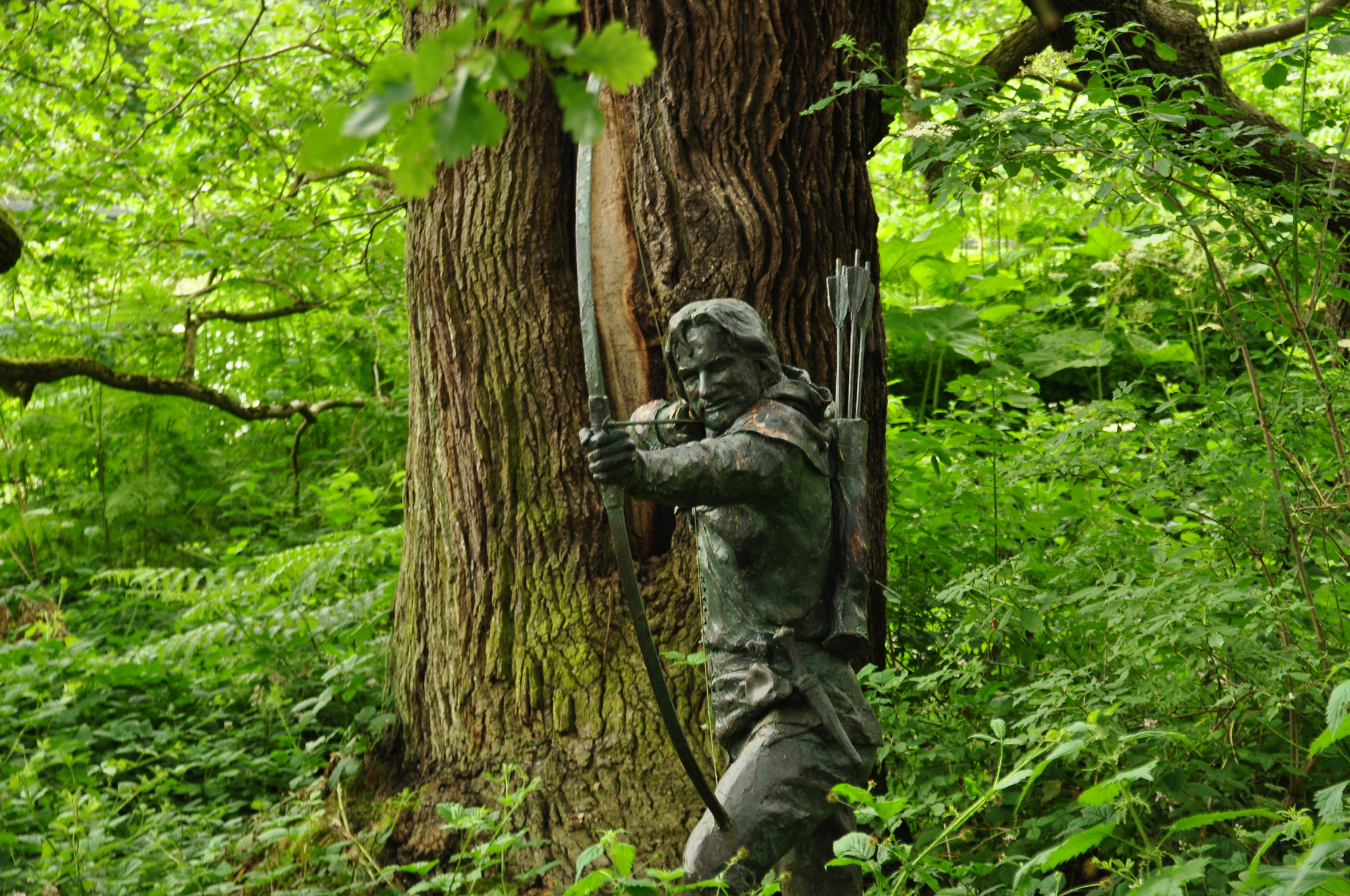 2020-02/1582621313_robin-hood-statue-in-sherwood-forest-nottinghamshire-uk-credit-nilfanion